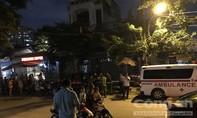 Chủ quán cà phê ở Sài Gòn treo cổ trong nhà
