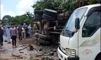 """Xe tải mất lái lao như """"điên"""", tông người đứng ven đường tử vong"""