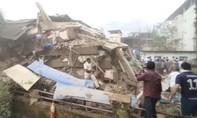 Sập chung cư Ấn Độ, gần 100 người kẹt dưới đống đổ nát