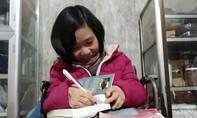 Cô gái bán bột nghệ làm thư viện miễn phí