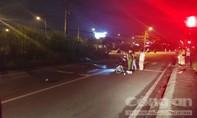 TPHCM: Ô tô kéo lê xe máy khiến cô gái tử vong thương tâm, rồi chạy khỏi hiện trường
