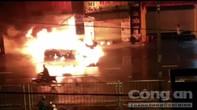 Ô tô BMW 2 lần bốc cháy trong đêm ở Sài Gòn, chỉ còn trơ khung sắt