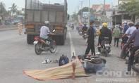 Xe máy va chạm xe tải trên QL51, một thanh niên tử nạn