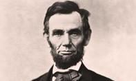 Lọn tóc của cố Tổng thống Abraham Lincoln bán được hơn 80.000 USD