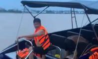 Mô tô nước tông tàu du lịch trên sông Cổ Chiên, đôi nam nữ tử vong