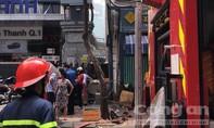Cháy nhà trong hẻm ở trung tâm Sài Gòn, nhiều người hoảng loạn