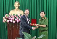 Đại diện Đại sứ quán Hoa Kỳ thăm Công an TPHCM