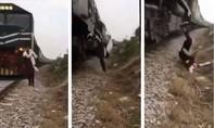 Thanh niên bị tàu hỏa đâm tử vong khi đang quay clip TikTok