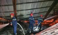 Công ty gỗ cháy lớn, nhiều công nhân lo mất việc cuối năm