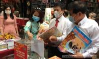 Bìa Báo xuân Công an TPHCM đoạt giải khuyến khích