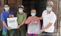 Trao hơn 1.000 phần quà Tết cho người dân TPHCM và ĐBSCL