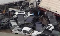 Clip hiện trường hơn 70 xe tông nhau, ít nhất 5 người chết