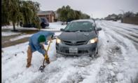 Không điện, không nước, người dân Texas vật lộn với cái lạnh lịch sử