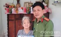 Báo Công an TPHCM thăm, tặng quà Mẹ Việt Nam anh hùng