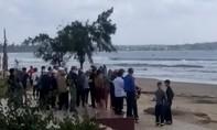 Tắm biển Mỹ Khê, học sinh gặp nạn, nhân viên ra cứu cũng mất tích