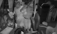 Mâu thuẫn giành khách, nhà xe mang dao dọa đánh người