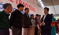 Bàn giao nhà ở cho người dân xã bị lũ lụt xã Trà Leng