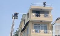 Hàn xì gây cháy trong căn nhà 4 tầng ở Sài Gòn, 2 người được cứu thoát