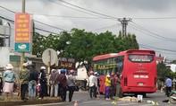 Đắk Lắk: Xe khách tông xe máy, 3 người thương vong