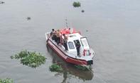 Thanh niên để xe máy, gieo mình xuống sông Sài Gòn tự tử