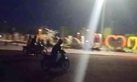 Hai xe máy tông trực diện khi đua trong đêm, 2 người cấp cứu