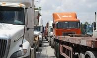 Kỳ 2: Khói bụi, tai nạn và ùn tắc trên đường vào cảng hiện đại nhất nước