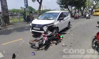 Xe ôm công nghệ đối đầu ô tô, tài xế và khách bị thương nặng