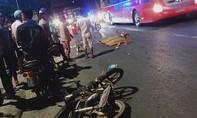 Ngã xuống sau va chạm, người chạy xe máy bị xe khách cán tử vong