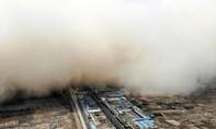 Bão cát như 'ngày tận thế' xuất hiện tại thị trấn Trung Quốc