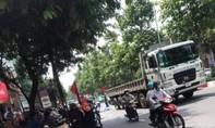 Sau va chạm, người phụ nữ đi xe Lead bị xe tải cán tử vong
