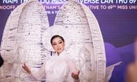 """Hoa hậu Khánh Vân trình diễn trang phục dân tộc """"Kén Em"""""""