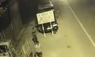 """Xe tải gắn định vị gởi trong bãi xe ở Sài Gòn """"không cánh mà bay"""""""