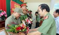 Khen thưởng Công an phường Phước Tân về thành tích tham gia phá án