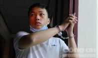 Thanh niên 29 tuổi giả học sinh, vào trường học trộm 20 ĐTDĐ