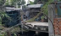 Cháy lán nhà tạm ở Sài Gòn, 1 thanh niên kiệt sức khi chạy thoát