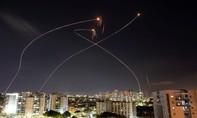 """Israel """"dội mưa pháo"""" xuống dải Gaza"""