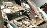 TPHCM: 2 căn nhà ven kênh sập, 6 căn bị ảnh hưởng, 2 người bị thương