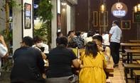 Nhà hàng Bốc ở Sài Gòn bị phạt 30 triệu đồng vì nhận 26 khách vào nhậu