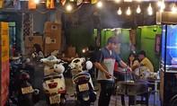 Bất chấp lệnh cấm, nhiều quán nhậu, cà phê ở Sài Gòn vẫn nhận khách