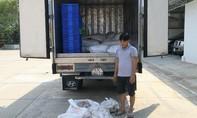 Phát hiện xe tải vận chuyển 1,5 tấn chả cá không rõ nguồn gốc