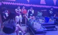 Quảng Nam: Liên tiếp phát hiện 2 quán karaoke có đông dân chơi mở tiệc ma túy