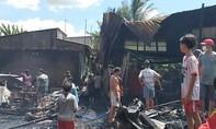 Cháy 4 căn nhà giữa trưa, thiệt hại tài sản 500 triệu đồng