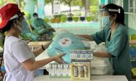 Vinamilk gửi món quà sức khỏe đến bác sĩ, bệnh nhi F0 tại BV Trưng Vương TPHCM