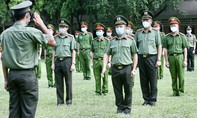 Lực lượng công an xông pha vào tâm dịch, phục vụ nhân dân