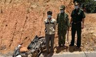 Bắt 3 thanh niên vận chuyển 100 kg thuốc nổ và 2.000 viên ma túy