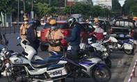 TPHCM: lái ô tô chở con đi dạo trong thời gian giãn cách, bị phạt nghiêm