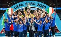 Clip khoảnh khắc Italia nâng Cup vô địch Euro 2020