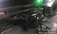 Tông vào xe tải đang quay đầu, một thanh niên tử nạn ở Bình Dương