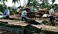 Vĩnh Long: Giông lốc làm sập và tốc mái 75 căn nhà, 1 người chết