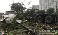 Container tông loạn xạ, cửa ngõ Sài Gòn kẹt cứng trong chiều mưa